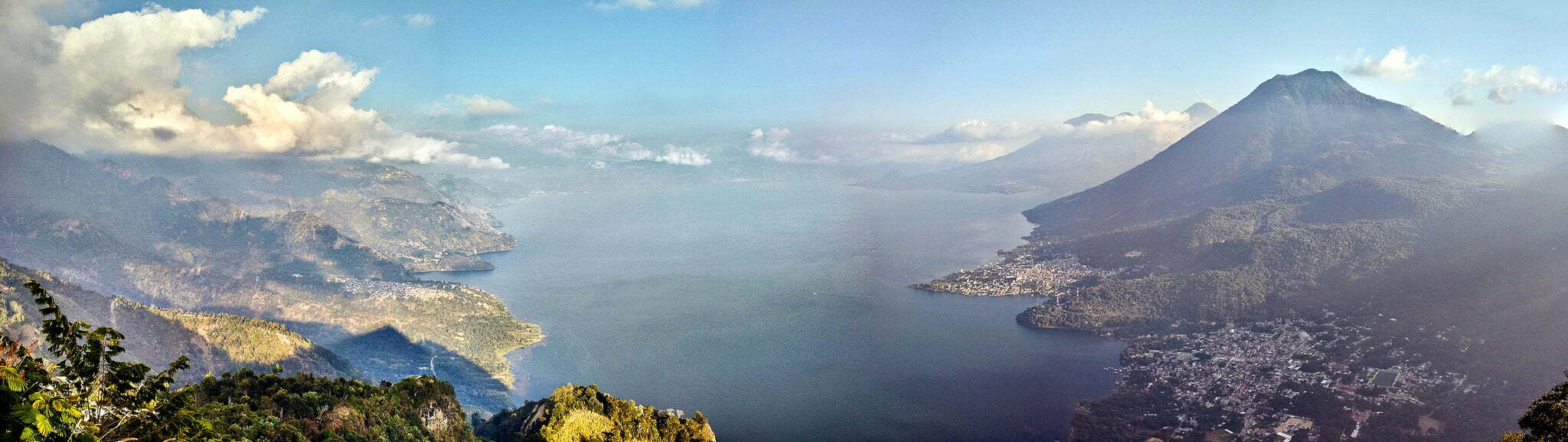Lago de Atitlán, Flickr user Jeff P
