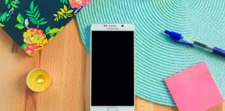 Samsung's New Phone Will Include 3D Emojis & Stereo Speakers?