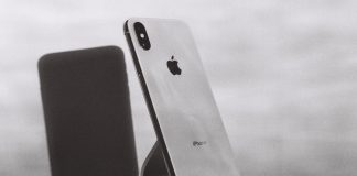 YouTube Techies Have Spoken: iPhone X Design Problems Revealed