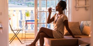 5 Things Your Daily Wine Habit Does To Your Body