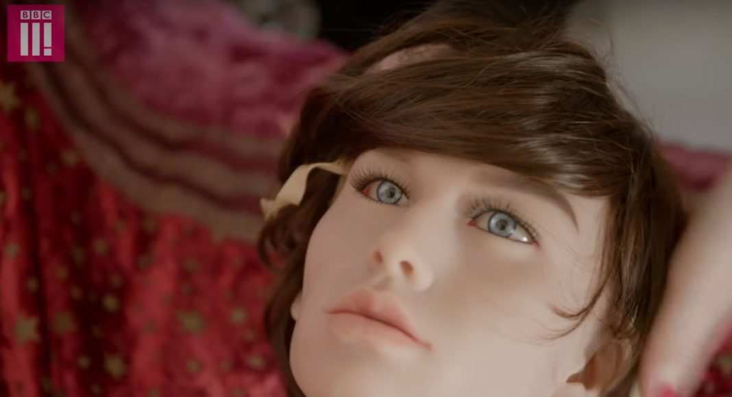 Sex Doll Reviewer Tests Male Sex Doll And By Replacing It's Penis